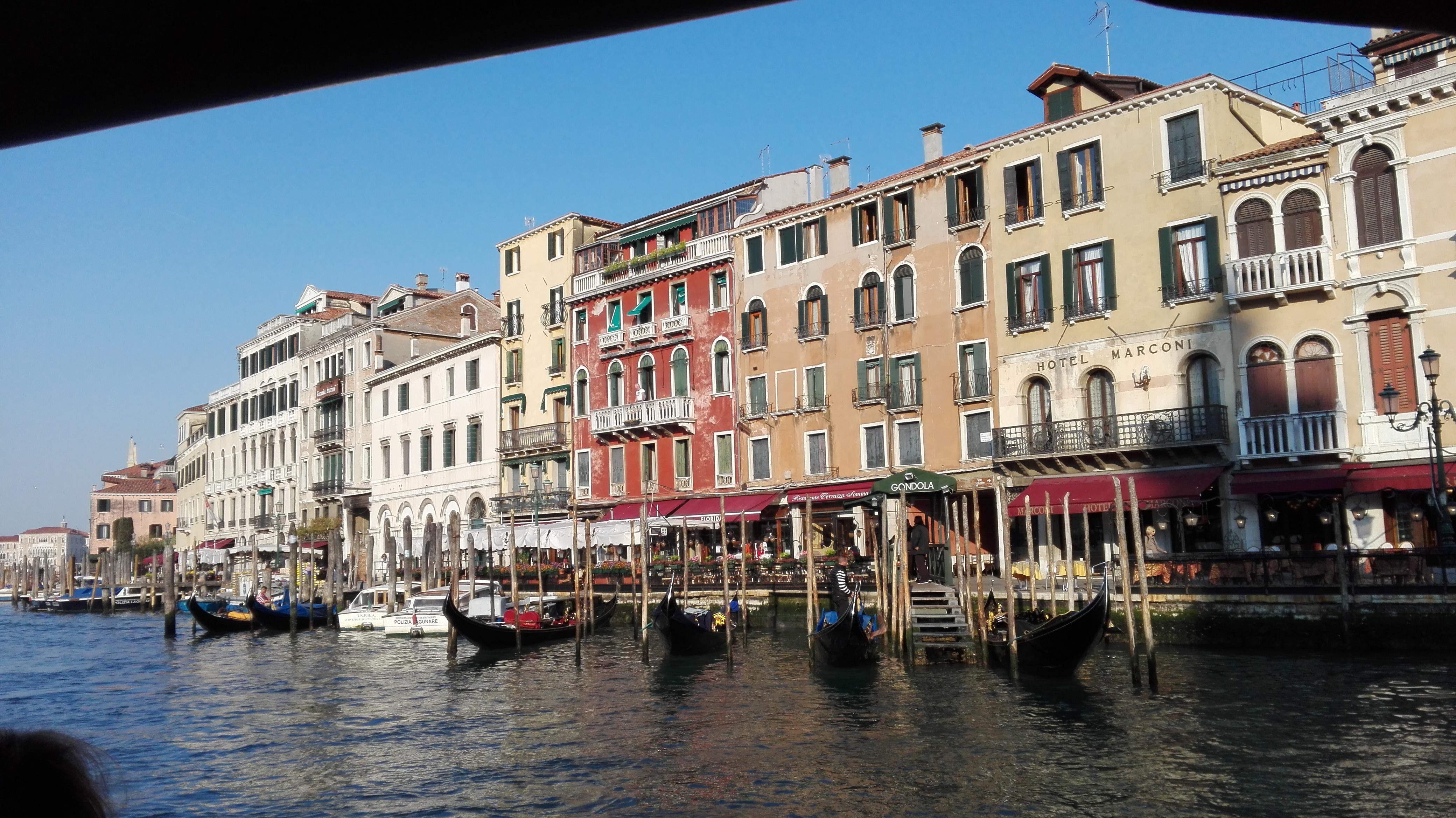 Sur le Vaporetto vers le Grand Canal