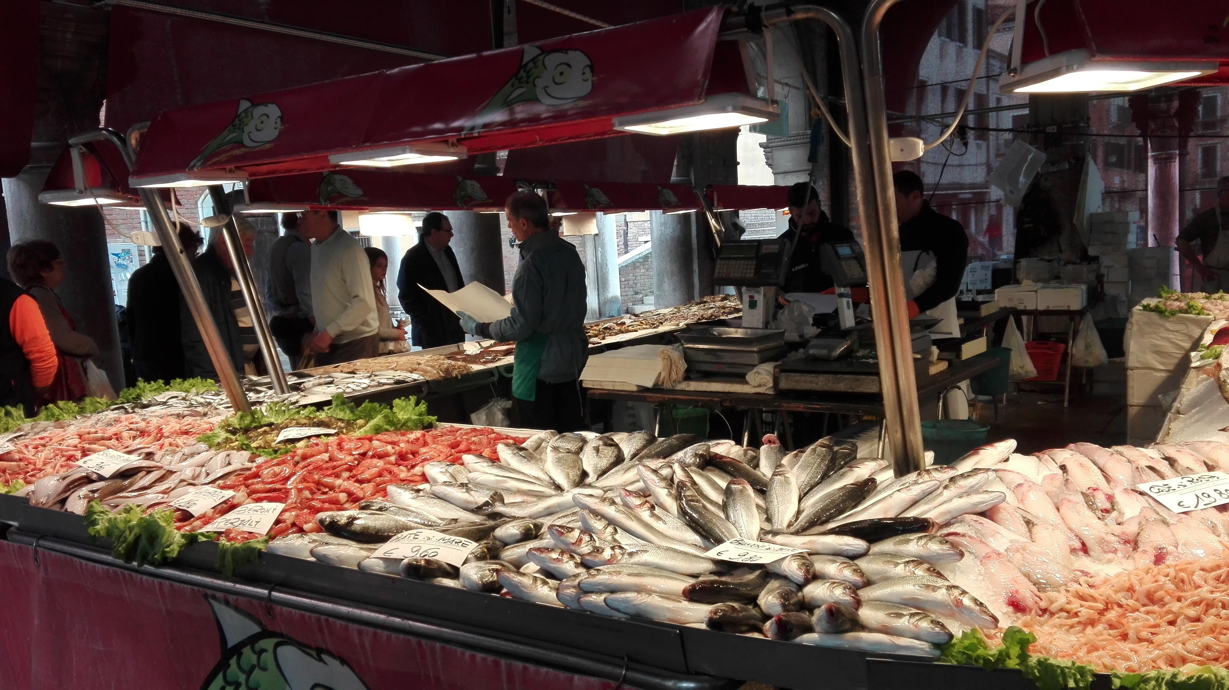 Marché de poissons à Rialto